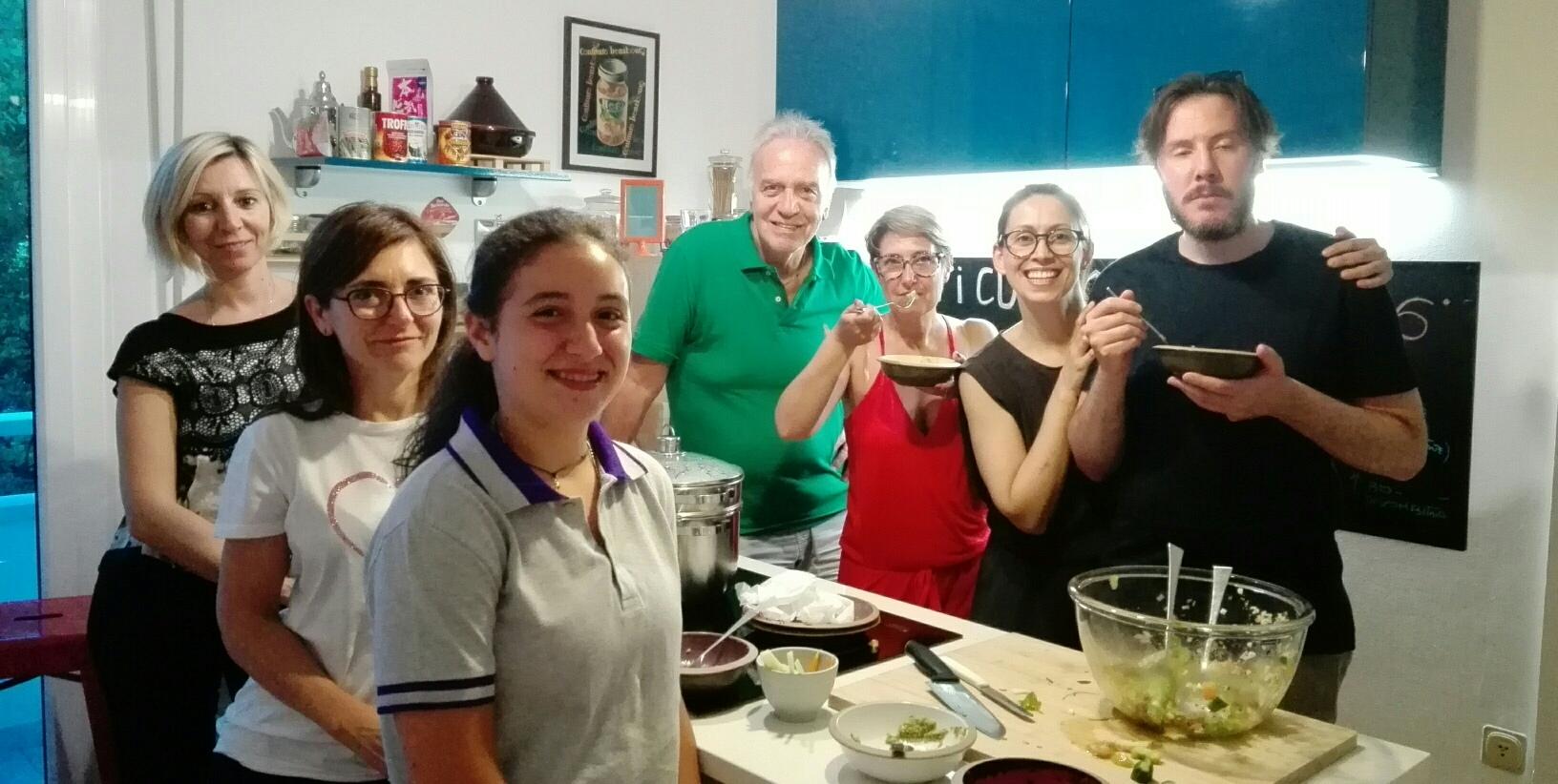 Partecipanti al laboratorio di educazione alimentare.