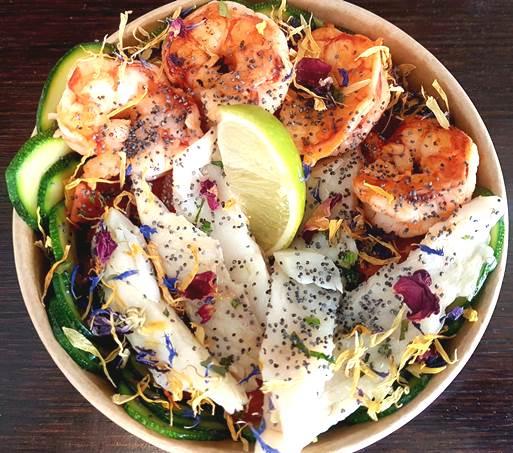 bowl a base di pesce e verdure